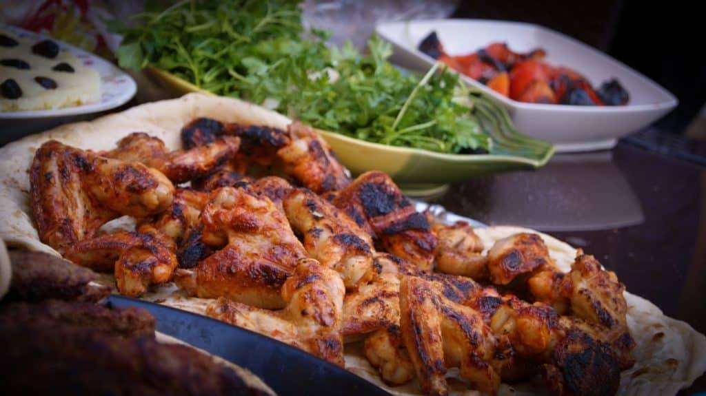 Grilled chicken on pida bread
