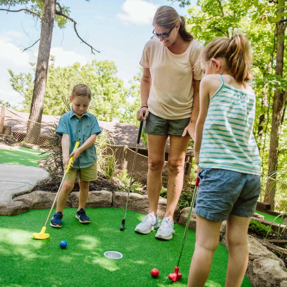 9-hole Mini Golf