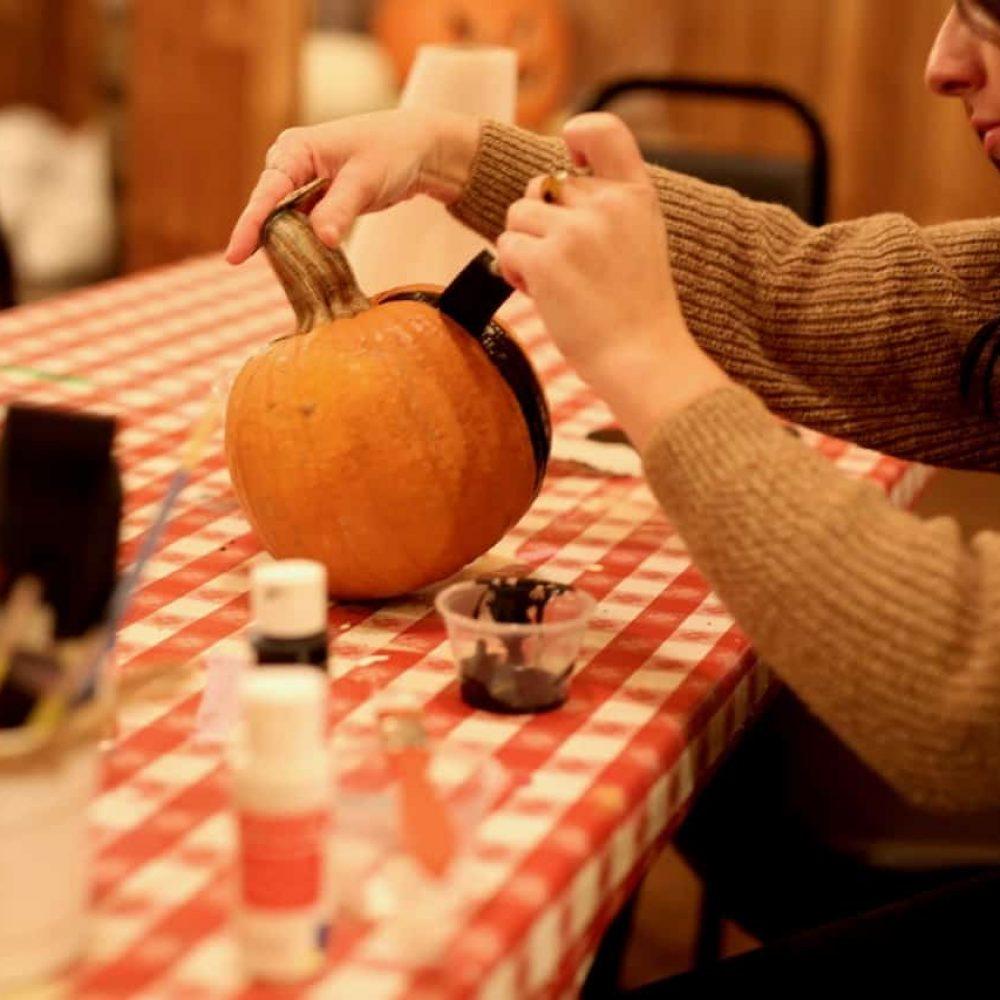 Pumpkin Paintin' (Pumpkins additional)